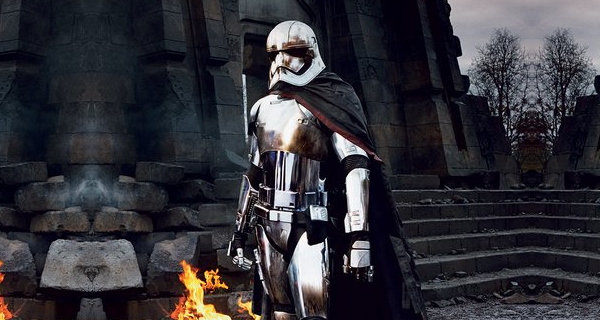 gwendoline-christies-star-wars-vii-chrome-trooper-captain-phasma-secretly-a-dark-side-user-not-a-sith-lord